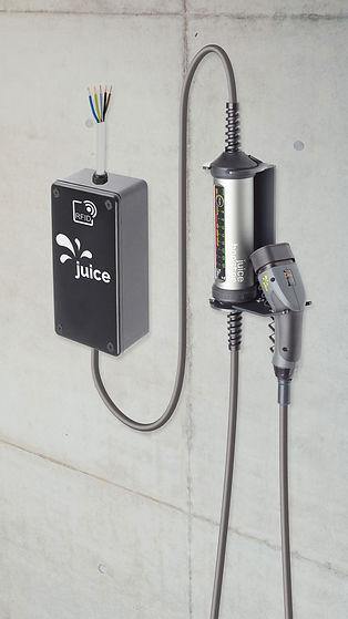 Juice Charger easy Ladestation für Elektroautos mit Wandhalterung