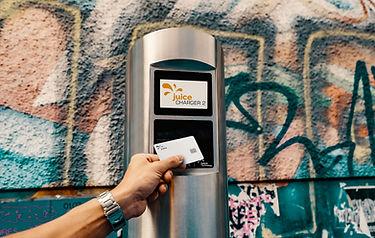 Juice Charger 2 Wallbox mit Display und Kreditkartenzahlung