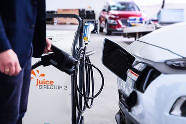 Hyundai Ioniq wird mit dem Juice Director 2 geladen