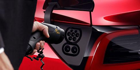 Elektroauto wird geladen mit dem Juice Booster 2
