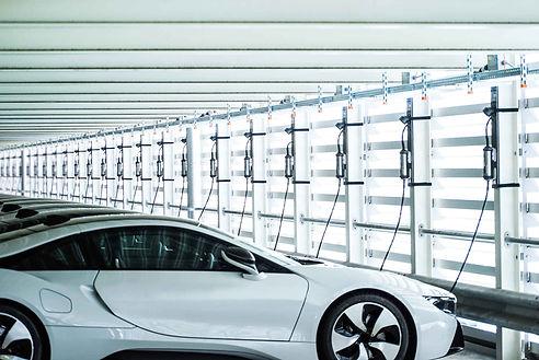 BMW i8 wird mit dem Juice Booster 2 geladen