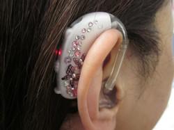 デコ補聴器 07