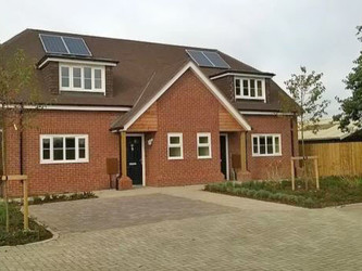 Grovelands Avenue handover at Winnersh