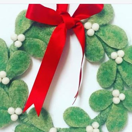 Felt Mistletoe Wreath Workshop