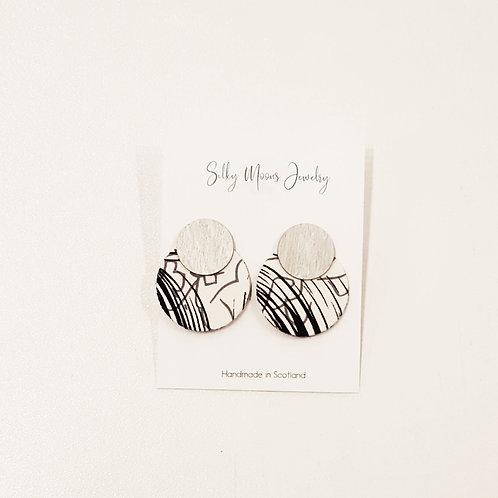 Silky Moons Double Disc Earrings - Blk/Ivory