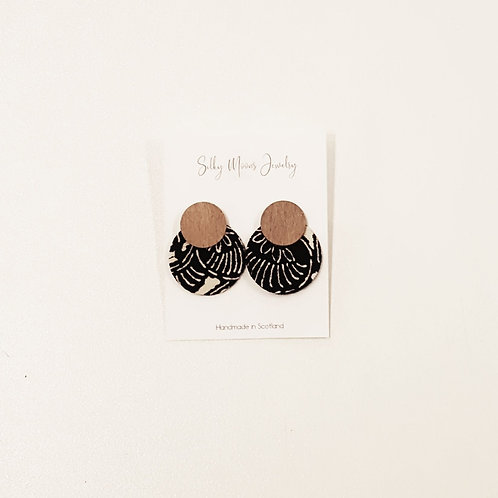Silky Moons Double Disc Earrings - Blk/Cream