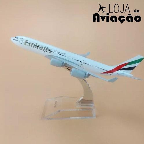Avião miniatura metal Emirates Airbus A340