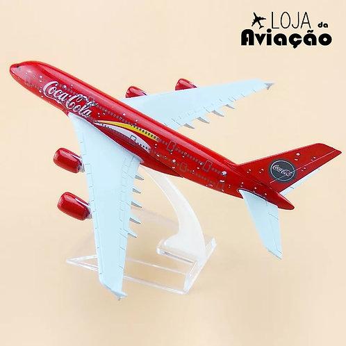 Miniatura de Avião Airbus A380 de metal Coca Cola