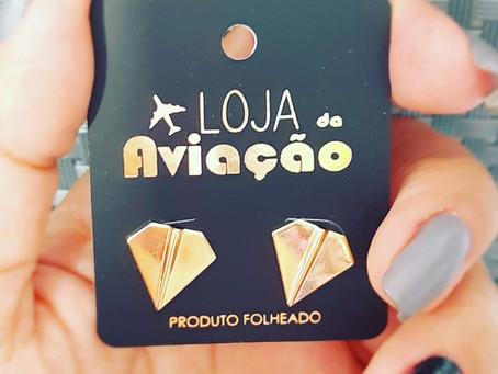 Brinco avião papel https://www.lojadaaviacao.com.br/product-page/brinco-avião-de-papel-folheado-ouro
