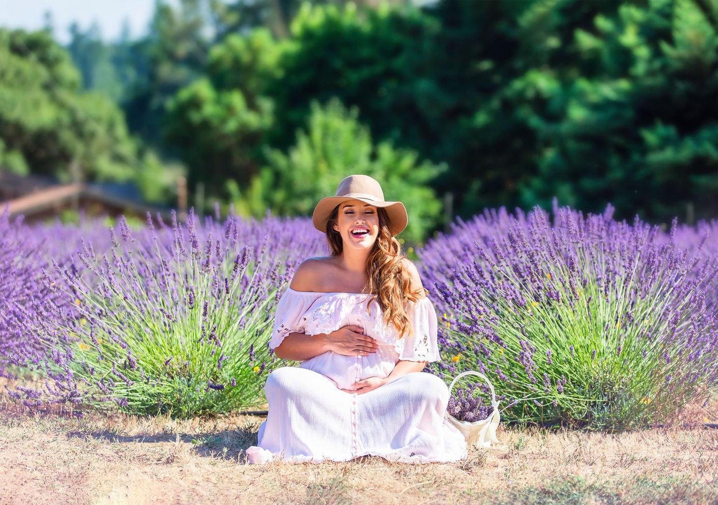 lavender field maternity photo session