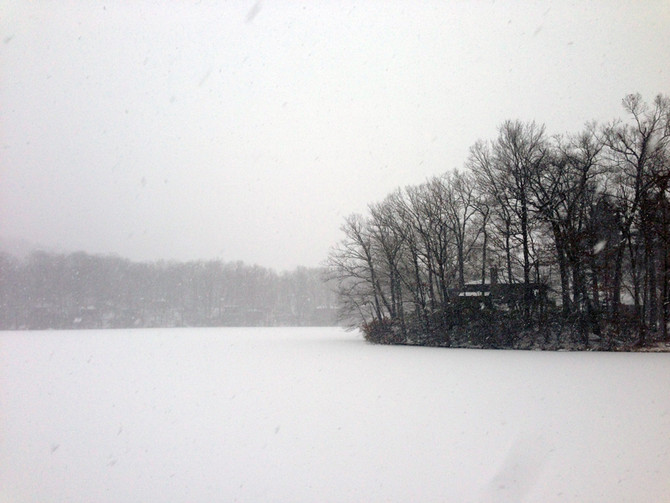 Snowing Sloatsburg! Hiking Diamond Mountain, Harriman State Park