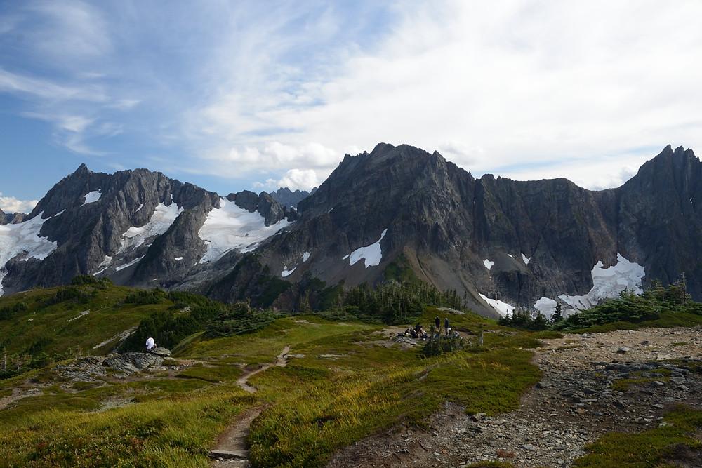 forbidden-torment-peaks-north-cascades-national-park-unboring-exploring
