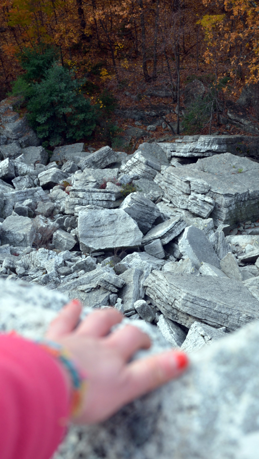 bonticou-talus-fragments-looking-down