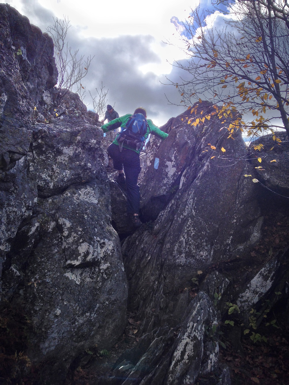 rock-scramble-bearfence-hike-shenandoah