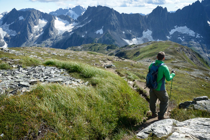VIDEO: Hiking Cascade Pass to Sahale Arm, North Cascades National Park, WA