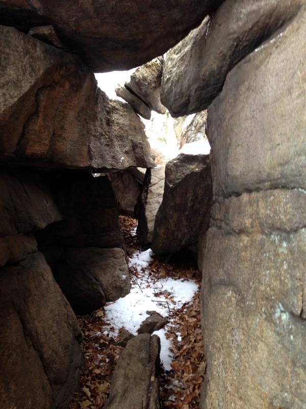 harriman-ny-hiking-winter-unboring-exploring_06.jpg