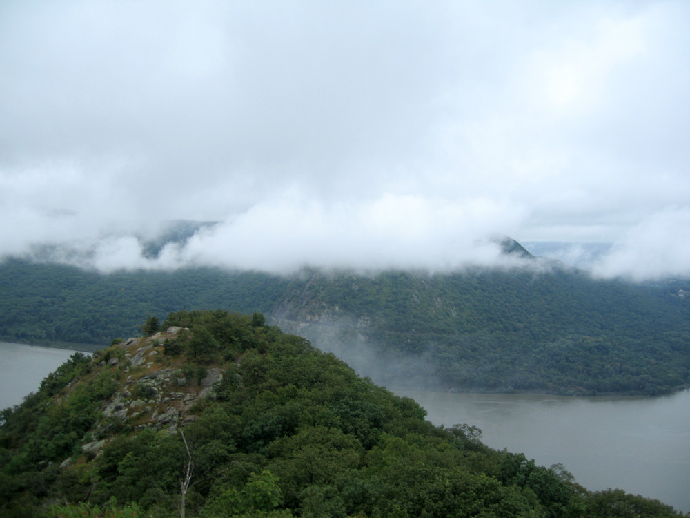 mount-taurus-hike-hudson-valley-view-storm-king