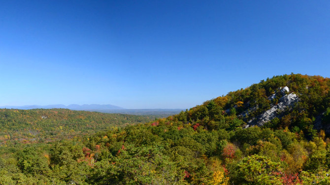 Millbrook Mountain: A BLAZING Fall Foliage Hike in the Gunks!
