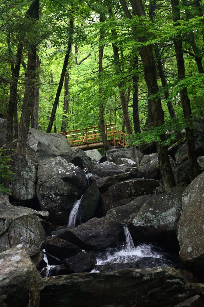 pine-meadow-trail-white-bridge-waterfalls