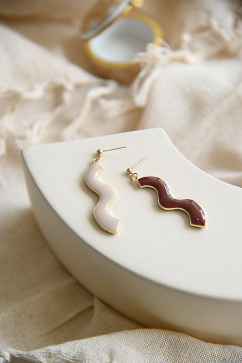 Gal Abstract Earrings (S925)