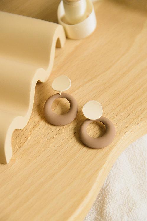 Andromeda Earrings in neutral