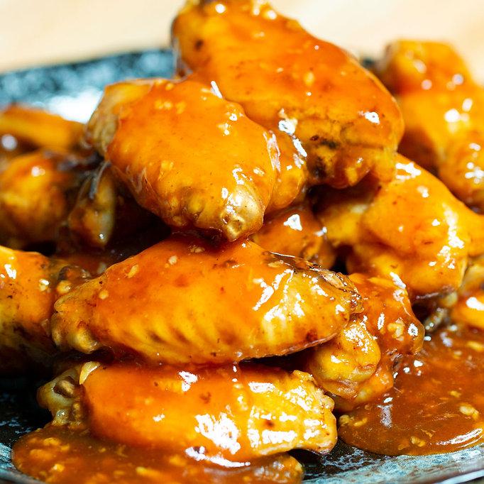 Honey_Sriracha_Chicken_Wings_1.jpg