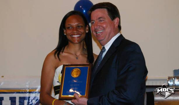 Jenaya receives UTC award