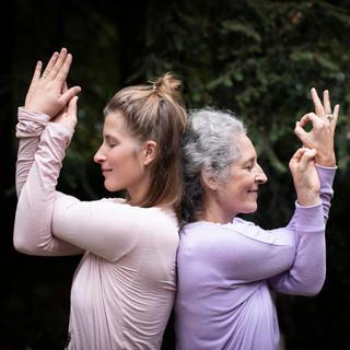 Workshop: Thai-Yoga-Massage und Acro-Yoga mit Anke und Pauline