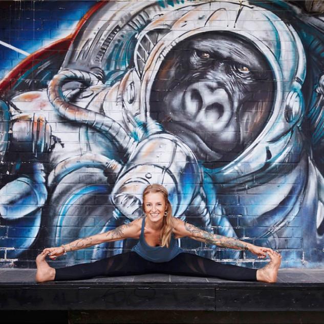 The Art of Adjusting - Fortbildung für Yogalehrer_innen mit Anna und Katja