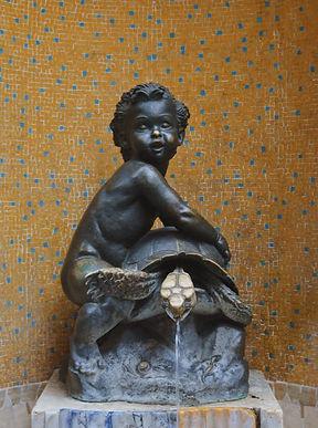 La statua della tartuca in contrada