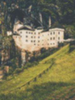 Il Castello di Predjama e la leggenda di Erasmo