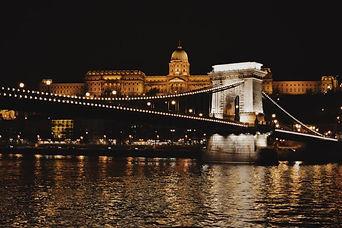 Budapest-notte-Babelerrante.jpg