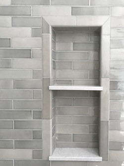 Shower Niche Touch of Gray