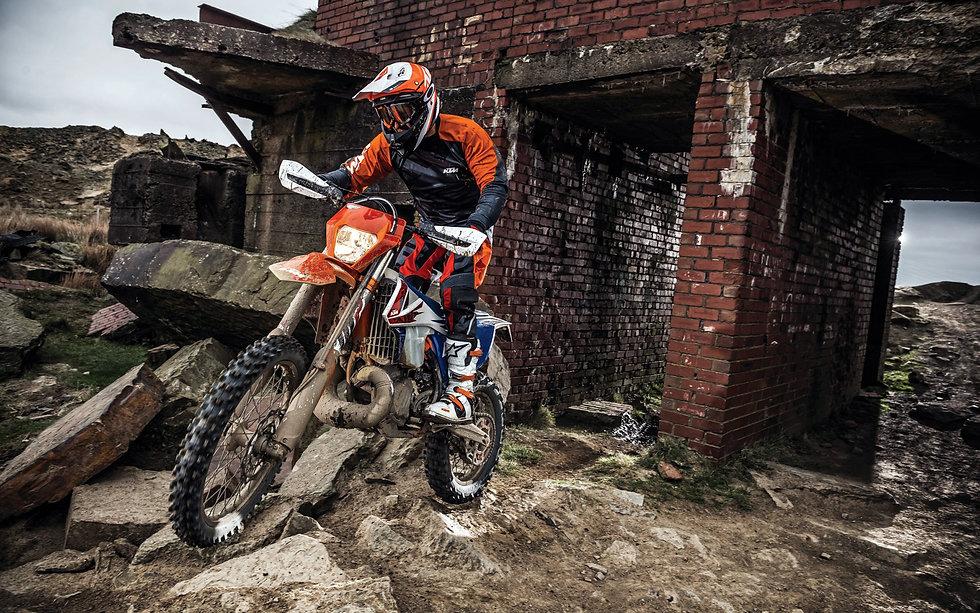 ktm-250-exc-tpi-sixdays-2018-bikes-rider