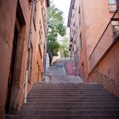 rue-du-vieux-lyon.webp