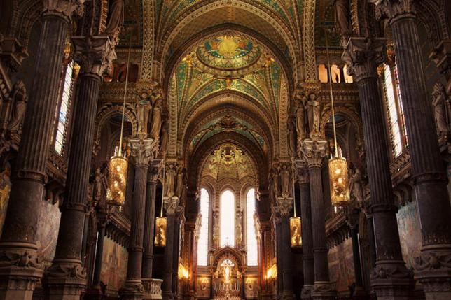 Intérieur-Basilique-Fourvière.jpg
