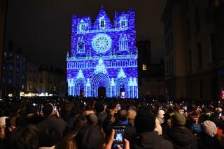 place-saint-jean-foule-8-décembre.jpg