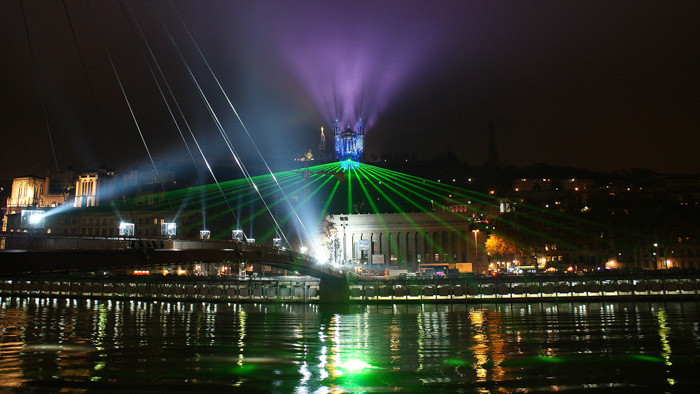 Passerelle-fourvière-illuminations-Lyon.