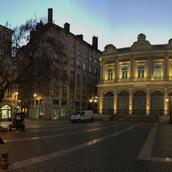 pano-place-du-change-nuit.webp