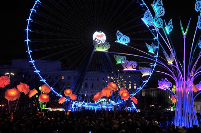 grande-roue-8-décembre-bellecour-Lyon.jp