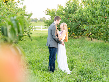 Madison + Isaac | A Reid's Orchard Engagement
