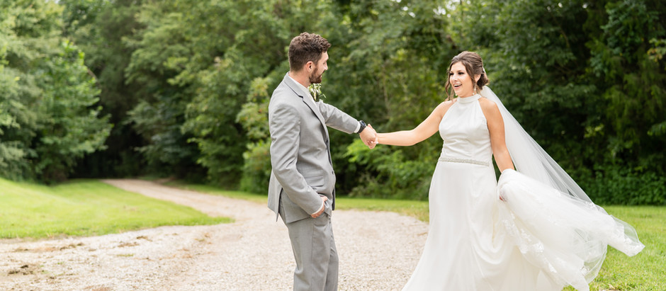 Madison + Max | A Marriage as Beautiful as an Emerald