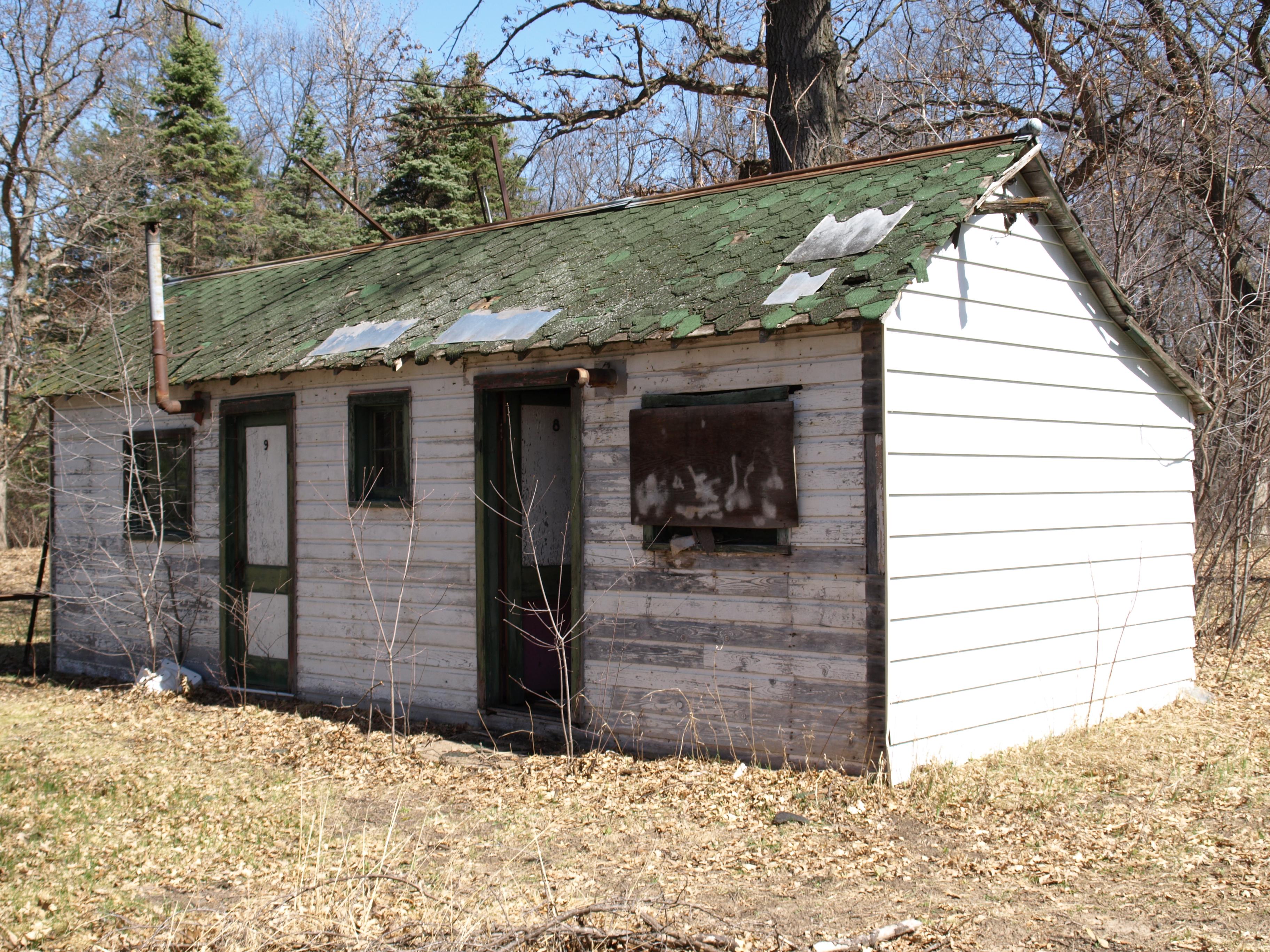 Jones Cabins on Old 61