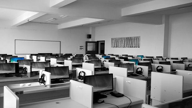 business-businessmen-classroom-267507.jp