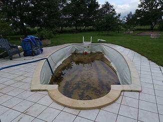 Renouvellement de l'entretien d'une piscine.