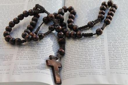 rosary pixabay el.jpg