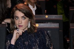 Les Césars: Adèle Haenel quitte la salle, suivie par la réalisatrice Céline Sciamma.