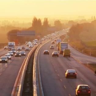 La route est en mauvaise état, c'est normal c'est l'Etat qui le veut