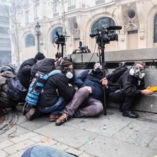 LES MÉDIAS INDÉPENDANTS ET PHOTOJOURNALISTES EN DANGER
