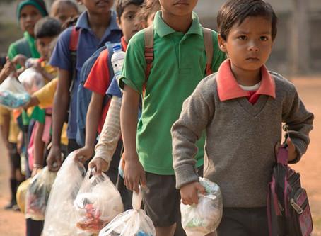 AKSHAR: Ücret Olarak Para Yerine Plastik Atık Talep Eden Bir Okul